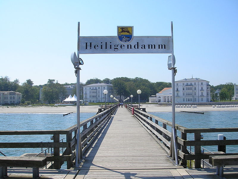 800px-Heiligendamm_June_2007_054
